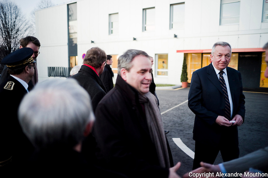 Xavier Bertrand et Jean Denais (maire UMP de Thonon-Les-Bains) à l'inauguration des hôpitaux du Léman, Thonon, Haute Savoie, 22/02/2012