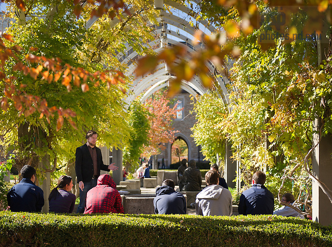 Oct. 12, 2012; Class in the pergola between DeBartolo and Fitzpatrick...Photo by Matt Cashore/University of Notre Dame
