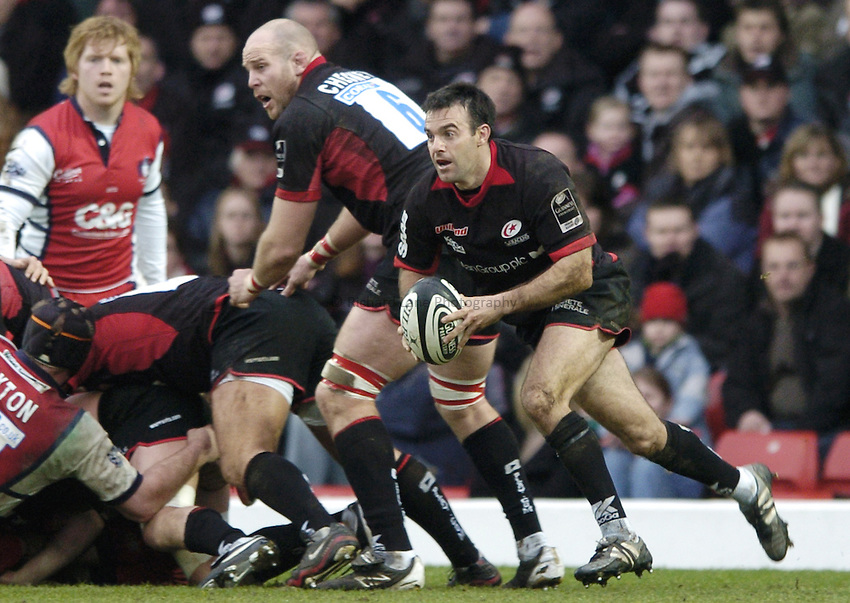 Photo: Jonathan Butler..Saracens v Gloucester Rugby. Guinness Premiership. 18/02/2007..Neil De Kock of Saracens breaks from the base of scrum.