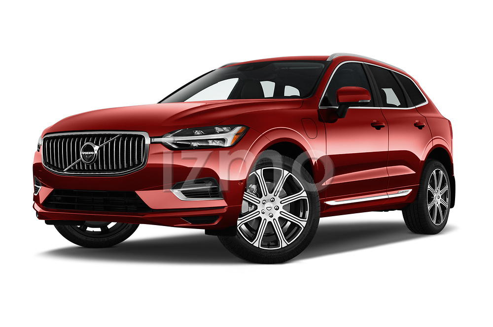 Stock pictures of low aggressive front three quarter view of a 2018 Volvo XC60 Inscription T8 eAWD Plug-in Hybrid 5 Door SUV