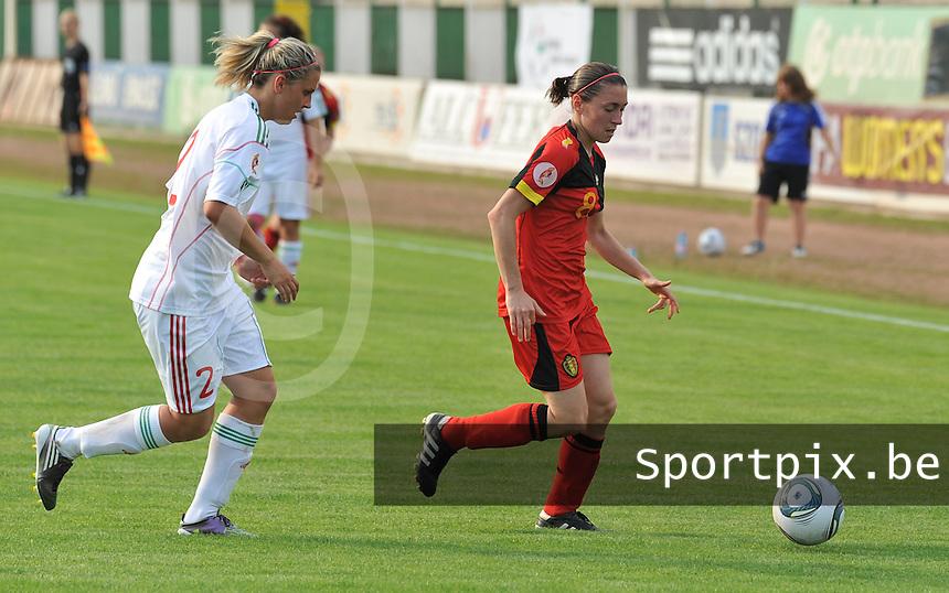 Hungary - Hongarije : UEFA Women's Euro Qualifying group stage (Group 3) - 20/06/2012 - 17:00 - szombathely  - : Hungary ( Hongarije ) - BELGIUM ( Belgie) :.Audrey Demoustier aan de bal voor Reka Demeter.foto DAVID CATRY / JOKE VUYLSTEKE / Vrouwenteam.be.