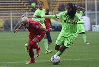 BOGOTÁ - COLOMBIA, 28-03-2018:Rafanny Mendoza (R) jugadora de la Equidad disputa el balón con Ana Alekperova (L) jugadora de Patriotas de Boyacá  durante partido por  la sexta Fecha de Liga Aguila Femenina 2018 jugado en el estadio Metropolitano de Techo de la ciudad de Bogotá. /Rafanny Mendoza (R) player of Equidad  figths the ball agaisnt Ana Alekperova (L) player of Patriotas of Boyaca  during the match for the date 6 of the Women's Aguila  League 2018 played at the Metroplitano de Techo  Stadium in Bogota city. Photo: VizzorImage / Felipe Caicedo / Staff.