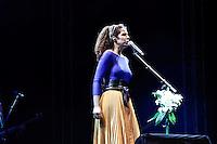 SÃO PAULO, 01 de SETEMBRO, 2012 - FESTIVAL NOVA BRASIL FM - Vanessa da Mata na Terceira  Edicao do Festival Nova Brasil FM - grandes nomes da MPB na Arena Anhembi, nesse sabado, 01- FOTO LOLA OLIVEIRA - BRAZIL PHOTO PRESS