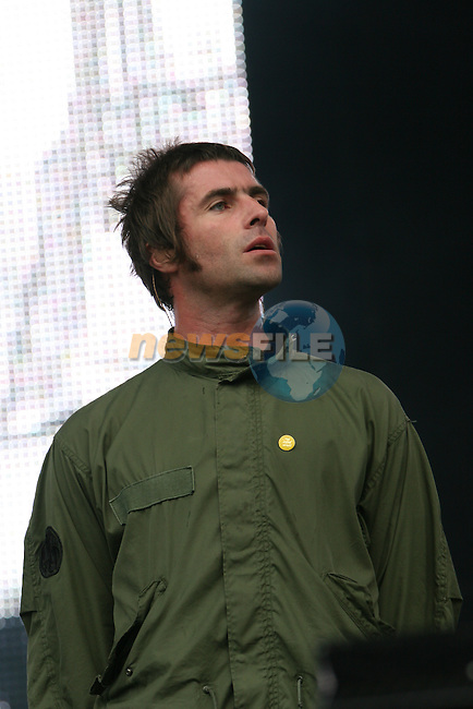 Oasis at Slane 2009...Photo NEWSFILE/Jenny Matthews.(Photo credit should read Jenny Matthews/NEWSFILE)....This Picture has been sent you under the condtions enclosed by:.Newsfile Ltd..The Studio,.Millmount Abbey,.Drogheda,.Co Meath..Ireland..Tel: +353(0)41-9871240.Fax: +353(0)41-9871260.GSM: +353(0)86-2500958.email: pictures@newsfile.ie.www.newsfile.ie.FTP: 193.120.102.198.