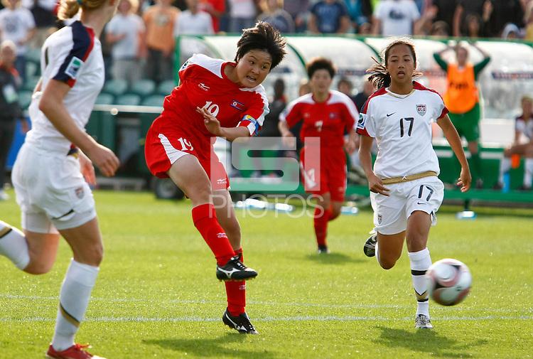 Korean DPR player JANG Hyon Sun shoots the winning goal. USA v Korea Republic. FIFA U-17 Women's World Cup Final. North Harbour Stadium, Auckland, Sunday 16 October 2008. Photo: Simon Watts/PHOTOSPORT