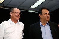 TABOAO DA SERRA, SP, 13.09.2013. ALCKMIN - ANUNCIO POUPATEMPO TABOAO. O governador de São Paulo, Geraldo Alckmi e o prefeito de Taboão da Serra, Fernando Fernandes, durante anúncio da implantação da nova unidade do Poupatempo na cidade de Taboão da Serra. O Poupatempo é um programa do Governo do Estado, coordenado pela Secretaria de Gestão Pública que, desde a inauguração do primeiro posto, em 1997, já prestou mais de 366 milhões de atendimentos. Atualmente conta com 32 unidades instaladas na capital, Grande São Paulo, litoral e interior. (Foto: Adriana Spaca/Brazil Photo Press)