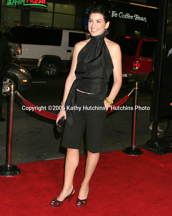"Julianna Margulies.""Snakes on a Plane"" Premiere.Grauman's Chinese Theater. Hollywood, CA.August 17, 2006.©2006 Kathy Hutchins / Hutchins Photo.."
