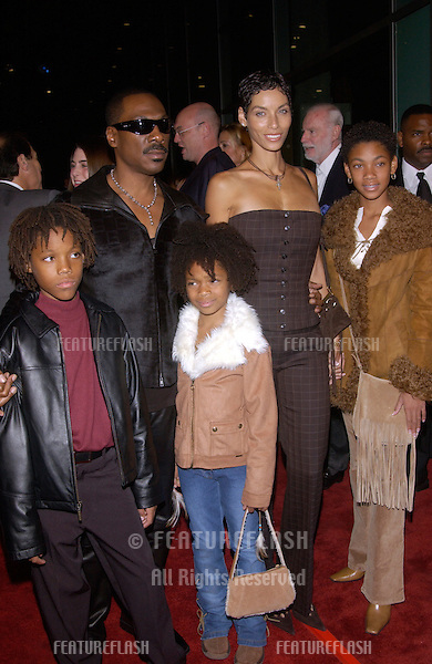 Actor EDDIE MURPHY & wife Nicole & children at the world premiere of his new movie I Spy, at the Cinerama Dome in Hollywood..23OCT2002.  © Paul Smith / Featureflash