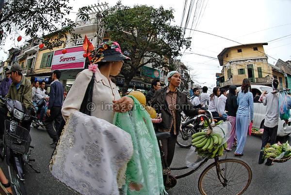 Asia, Vietnam, Hanoi. Hanoi old quarter. Street life.
