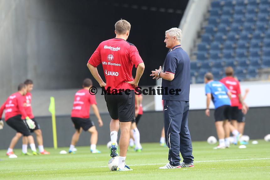 Trainer Armin Veh (Eintracht) mit Alex Meier