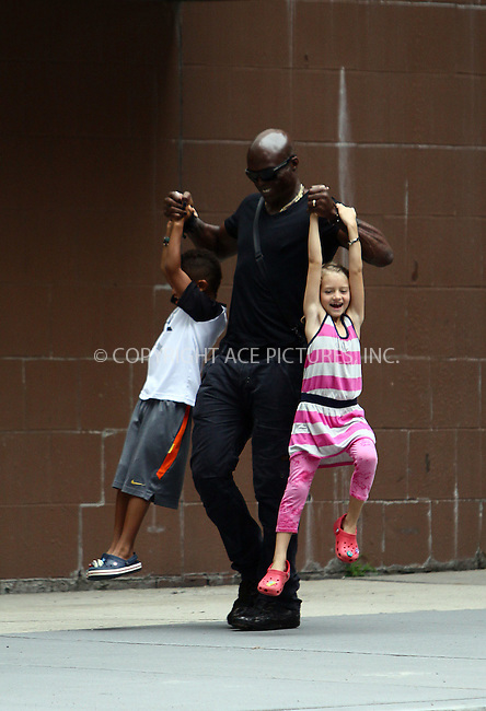 WWW.ACEPIXS.COM . . . . .  ....June 23 2011, New York City....Heidi Klum and her husband Seal took their family for a walk along the Hudson River on June 23 2011 in New York City....Please byline: CURTIS MEANS - ACE PICTURES.... *** ***..Ace Pictures, Inc:  ..Philip Vaughan (212) 243-8787 or (646) 679 0430..e-mail: info@acepixs.com..web: http://www.acepixs.com