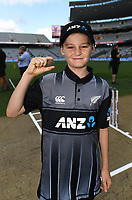ANZ coin toss winner.<br /> New Zealand Black Caps v Australia.Tri-Series International Twenty20 cricket final. Eden Park, Auckland, New Zealand. Wednesday 21 February 2018. &copy; Copyright Photo: Andrew Cornaga / www.Photosport.nz