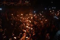 GOIÁS, GO, 13.04.2017 – FOGARÉU-GOIÁS – Procissão do Fogaréu na Cidade de Goiás, na madrugada desta quinta-feira, 13. A Procissão do Fogaréu é a mais tradicional festa religiosa de Goiás e tem mais de 270 anos de história e é encenada a meia-noite de quarta para quinta-feira da Semana Santa, cerimônia que simboliza o calvário de Jesus Cristo. (Foto: Ricardo Botelho/Brazil Photo Press)