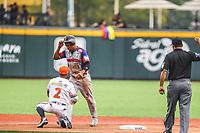 Alexi Amarista segunda base de Caribes de Anzo&aacute;tegui de Venezuela y Carlos Paulino de &Aacute;guilas Cibae&ntilde;as de Republica Dominicana es puesto out. <br /> <br /> Aspectos del segundo d&iacute;a de actividades de la Serie del Caribe con el partido de beisbol  &Aacute;guilas Cibae&ntilde;as de Republica Dominicana contra Caribes de Anzo&aacute;tegui de Venezuela en estadio Panamericano en Guadalajara, M&eacute;xico,  s&aacute;bado 3 feb 2018. (Foto  / Luis Gutierrez)