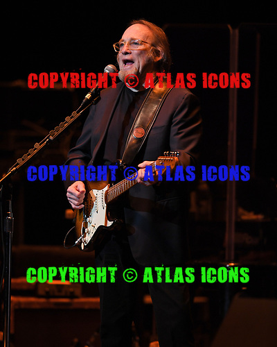 FORT LAUDERDALE FL - NOVEMBER 18: Stephen Stills performs with Judy Collins at The Broward Center on November 18, 2018 in Fort Lauderdale, Florida. : Credit Larry Marano © 2018