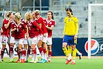 ****BETALBILD**** <br /> Stockholm 2015-04-08 Fotboll Landskamp Damer , Sverige - Danmark :  <br /> Sveriges Lotta Schelin deppar efter Danmarks Pernille Harder (Link&ouml;pings FC) gjort 3-3 p&aring; straff under matchen mellan Sverige och Danmark <br /> (Photo: Kenta J&ouml;nsson) Keywords:  Sweden Sverige Denmark Danmark Landskamp Dam Damer Tele2 Arena Stockholm  depp besviken besvikelse sorg ledsen deppig nedst&auml;md uppgiven sad disappointment disappointed dejected