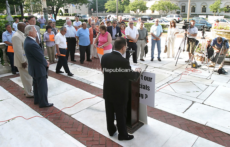 WATERBURY, CT 7/3/07- 070307BZ02- Don Piombo, Waterbury Neighborhood Association  Country Club neighborhood representative, addresses a crowd gathered on the steps of Waterbury's City Hall in oppposition to a proposed 280 condominium project on Highland Avenue.  <br /> Jamison C. Bazinet Republican-American