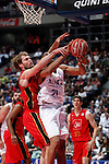 Real Madrid´s darden (R) and CAI Zaragoza´s Stefansson during 2013-14 Liga Endesa basketball match at Palacio de los Deportes stadium in Madrid, Spain. May 30, 2014. (ALTERPHOTOS/Victor Blanco)