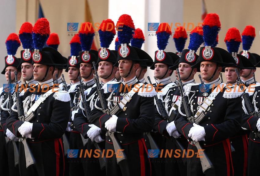 Roma, 15/05/06 Quirinale. Cerimonia di insediamento del nuovo Presidente della Repubblica Giorgio Napolitano. <br /> Nella foto i carabinieri in alta uniforme.<br /> Photo Samantha Zucchi Insidefoto