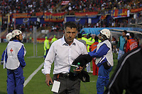 PASTO -COLOMBIA, 16-06-2013. Juan Carlos Osorio técnico de Atlético Nacional reacciona después del partido con Deportivo Pasto en los cuadrangulares finales F1 de la Liga Postobón 2013-1 jugado en el estadio La Libertad en la Ciudad de Pasto./ Atletico Nacional coach Juan Carlos Osorio reacts after the match with Deportivo Pasto in the final quadrangular 1th date of Postobon  League 2013-1 at La Libertad stadium in Pasto city. Photo: VizzorImage/STR