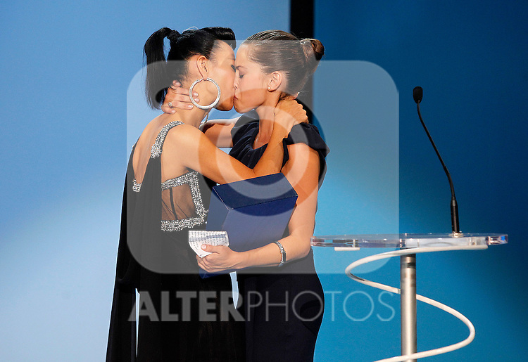 "Actress Bai Ling gives to Maria Leon the Silver Shell for Best Actress for ""La voz dormida"" during the 59th San Sebastian Donostia International Film Festival - Zinemaldia.September 24,2011.(ALTERPHOTOS/ALFAQUI/Acero)"
