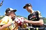 Jack Bauer (NZL) Mitchelton-Scott with fans at sign on before the start of Stage 12 of the 2018 Tour de France running 175.5km from Bourg-Saint-Maurice les Arcs to Alpe D'Huez, France. 19th July 2018. <br /> Picture: ASO/Pauline Ballet | Cyclefile<br /> All photos usage must carry mandatory copyright credit (&copy; Cyclefile | ASO/Pauline Ballet)