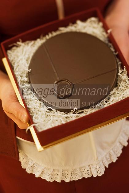 Europe/Autriche/Niederösterreich/Vienne: Hôtel Sacher - Sachertorte : célèbre gâteau viennois au chocolat et à la confiture d'abricots, inventé par Frank Sacher
