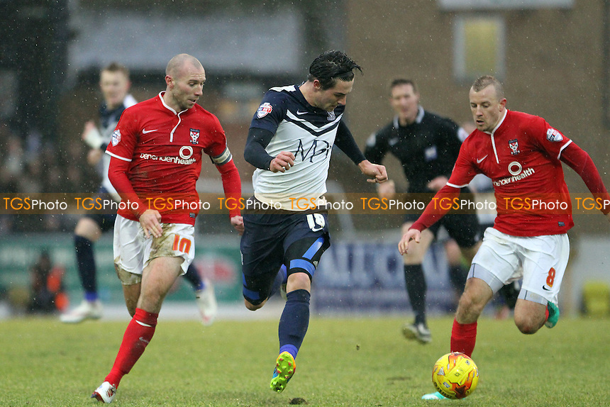 Ryan Leonard of Southend United under pressure from Luke Summerfield of York City - Southend United vs York City - Sky Bet League Two Football at Roots Hall, Southend on Sea, Essex - 31/01/15 - MANDATORY CREDIT: Mick Kearns/TGSPHOTO - Self billing applies where appropriate - contact@tgsphoto.co.uk - NO UNPAID USE