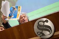 20141210 Conferenza Stampa 5 Stelle Fuori dall Euro