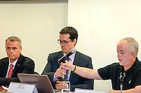 CURITIBA, PR, 09.11.2016 - LAVA JATO-PR -  Antônio Carlos Welter,Deltan Dallagnol e Carlos Fernando, Procuradores da força-tarefa Lava Jato do Ministério Público Federal (MPF-PR) recebe jornalistas na tarde desta quarta-feira (9), no auditório da Procuradoria da República no Paraná (PR/PR), para falar sobre projeto de lei que modifica as regras de acordos de leniência na Lei de Improbidade Administrativa. O projeto de autoria do líder do governo na Câmara dos Deputados, André Moura (PSC-SE), deve ser colocado em regime de urgência ainda nesta semana. (Foto: Paulo Lisboa/Brazil Photo Press)