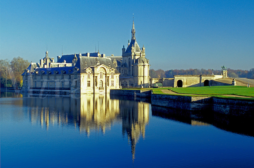 chateau, castle, France, Chantilly, Chateau de Chantilly, Picardie, Oise, Europe, Reflection of the palace in the water.