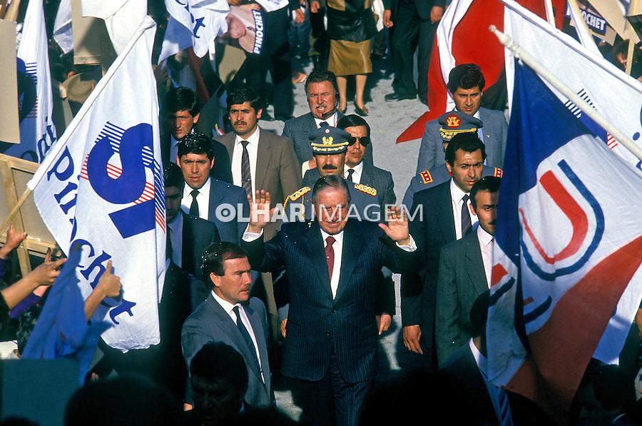Manifestação pelo sim à ditadura militar. Chile. 1988. Foto de Salomon Cytrynowicz.
