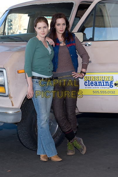 AMY ADAMS & EMILY BLUNT.in Sunshine Cleaning.*Filmstill - Editorial Use Only*.CAP/FB.Supplied by Capital Pictures.