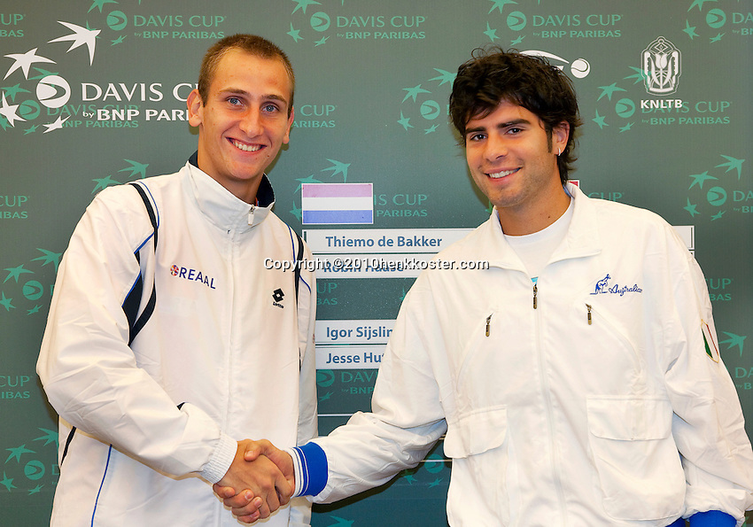 06-05-10, Zoetermeer, SilverDome, Tennis,  Davis Cup, Netherlands-Italy, De Bakker(L) and Simone Bolelli playing first rubber