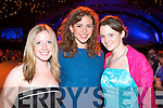 PAST ROSES: The 2007 New Orleans and Kerry Roses catching up at the Rose of Tralee International Fashion Show on Sunday l-r: Mary Ryan, Rosie Dempre, (New Orleans Rose) and Laura Costello (Kerry Rose)..   Copyright Kerry's Eye 2008