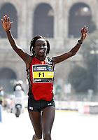 La kenyota Kimutai Hellen Jamaiyo taglia il traguardo della Maratona di Roma, 18 marzo 2012..Kenya's Kimutai Hellen Jamaiyo wins the Marathon of Rome, 18 march 2012..UPDATE IMAGES PRESS/Riccardo De Luca