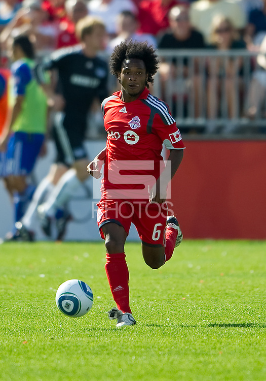 05 June 2010: Toronto FC midfielder Julian de Guzman #6 in action during a game between the Kansas City Wizards and Toronto FC at BMO Field in Toronto..The game ended in a 0-0 draw.