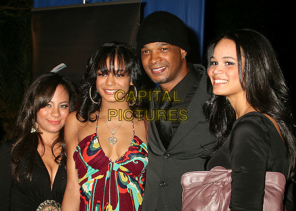 "DAMON WAYANS & FAMILY.Los Angeles Premiere of ""Dreamgirls"" at the Wilshire Theatre, Beverly Hills, California, USA. .December 11th, 2006.half length black beanie hat purple grey gray .CAP/ADM/BP.©Byron Purvis/AdMedia/Capital Pictures"