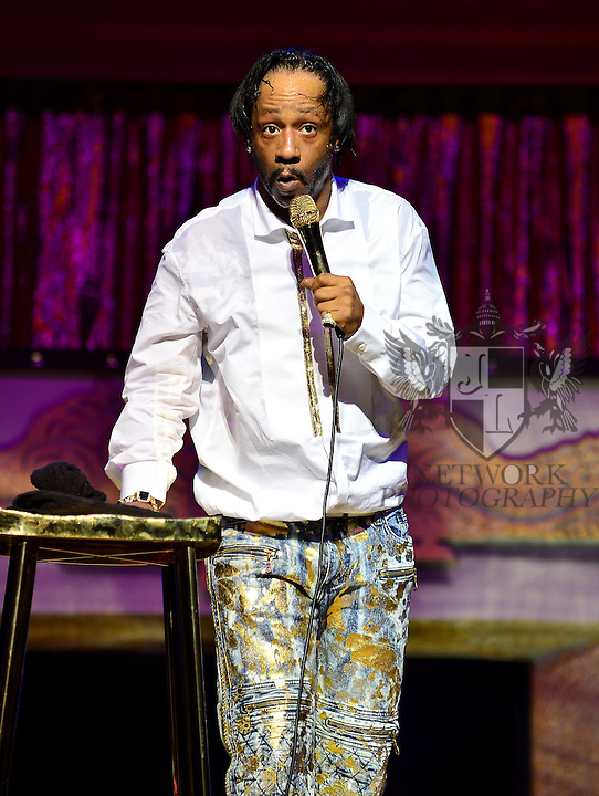 MIAMI, FL - JANUARY 17: Actor / Comedian Katt Williams performs during ' Conspiracy Theory Comedy tour ' at James L Knight Center on Sunday January 17, 2016 in Miami, Florida.  ( Photo by Johnny Louis / jlnphotography.com )