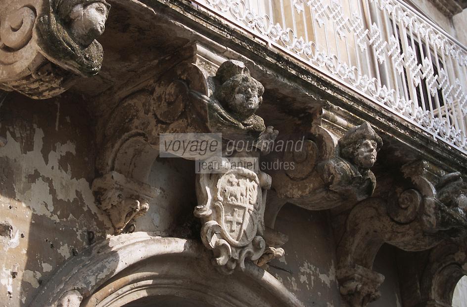 Europe/Italie/La Pouille/Lecce: Détail d'un balcon
