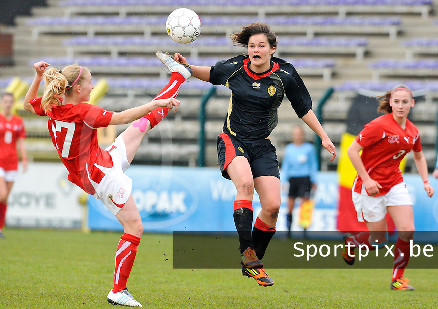 UEFA Women's Under 17 Championship - Second Qualifying round - group 1 : Switzerland - Belgium  : .Lotte Aertsen in duel met Pauline Vienne.foto DAVID CATRY / Vrouwenteam.be