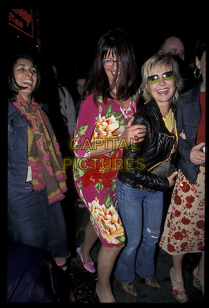 LULU, JANET STREET PORTER.09 May 2001.Ref: 10848.full length, full-length.*RAW SCAN- photo will be adjusted for publication*.www.capitalpictures.com.sales@capitalpictures.com.©Capital Pictures