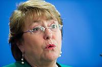 Berlin, Die Praesidentin der Republik Chile, Michelle Bachelet, am Montag (27.10.2014) bei einer Pressekonferenz nach bilateralen Gespraechen. Foto: Steffi Loos/CommonLens