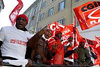 Roma, 27 Novembre 2017<br /> Lavoratori migranti della  CASTELFRIGO  n sciopero da 40 giorni contro licenziamenti e sfruttamento protestano a Montecitorio contro le false cooperative e il nuovo caporalato