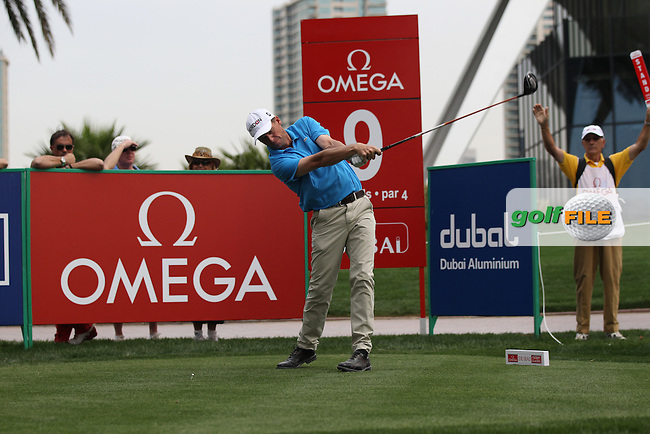 Anders Hansen (DEN) tees off on the 9th tee during Thursday's Round 1 of the 2012 Omega Dubai Desert Classic at Emirates Golf Club Majlis Course, Dubai, United Arab Emirates, 9th February 2012(Photo Eoin Clarke/www.golffile.ie)