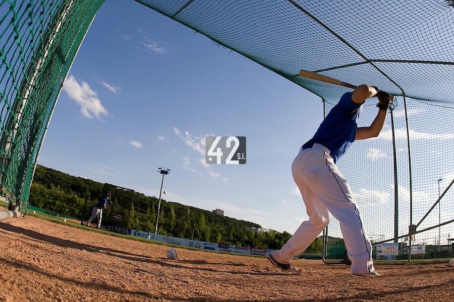 BASEBALL - GREEN ROLLER PARK - PRAGUE (CZECH REPUBLIC) - 23/06/2008 - PHOTO: CHRISTOPHE ELISE.BATTING CAGE (TEAM FRANCE)