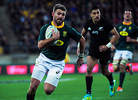 Willie Le Roux runs in South Africa's second try during the Rugby Championship match between the New Zealand All Blacks and South Africa Springboks at Westpac Stadium in Wellington, New Zealand on Saturday, 15 September 2018. Photo: Dave Lintott / lintottphoto.co.nz