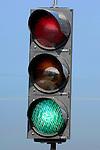 WOERDEN - Een verkeerslicht, een zgn stoplicht, waarschuwt het verkeer met groen door te rijden, met geel / oranje om indien mogelijk te stoppen, en met rood echt stil te staan. De betekenis is geregeld in het Reglement Verkeersregels en Verkeerstekens 1990 en overtreding wordt streng bestraft en kan tot ernstige verkeersongelukken leiden. ANP PHOTO COPYRIGHT TON BORSBOOM