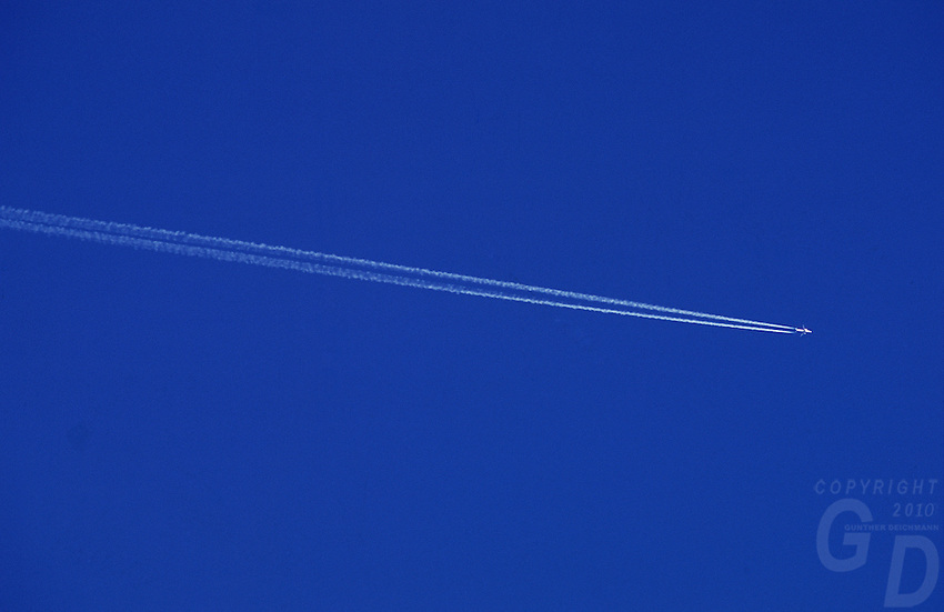Blue sky and Jet with white Jet stream