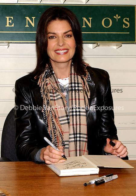 """Sela Ward at her book signing for """"Homesick"""" held at Brentano's at The Century City Shopping Center in Century City, California on November 8,2002.Photo by Hollywood Press Agency"""